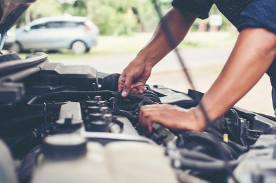 What causes an engine to misfire