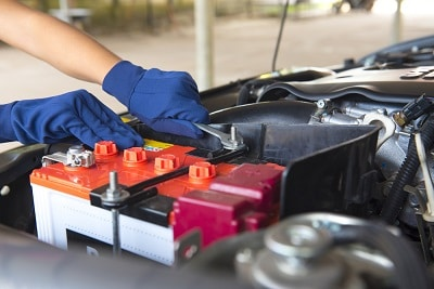 How-To-Tell-If-A-Car-Battery-Is-Dead
